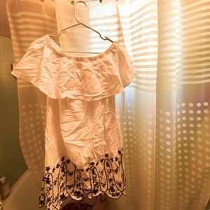 NWOT White dress with navy embroidery at bottom!!